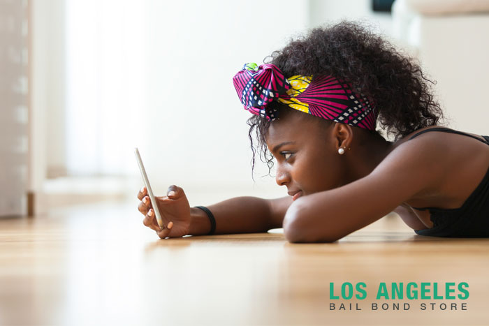 los angeles bail bond store should minors be banned from cellphones